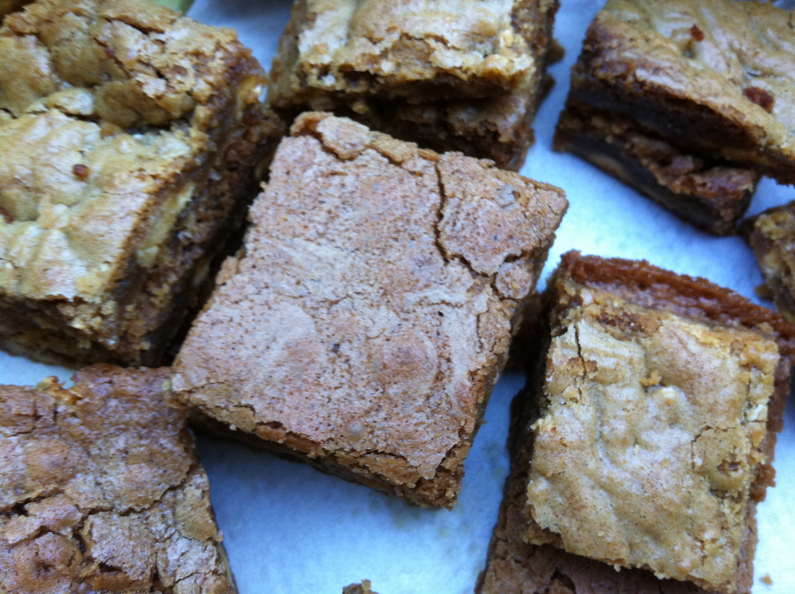 delicious_turron_blondies