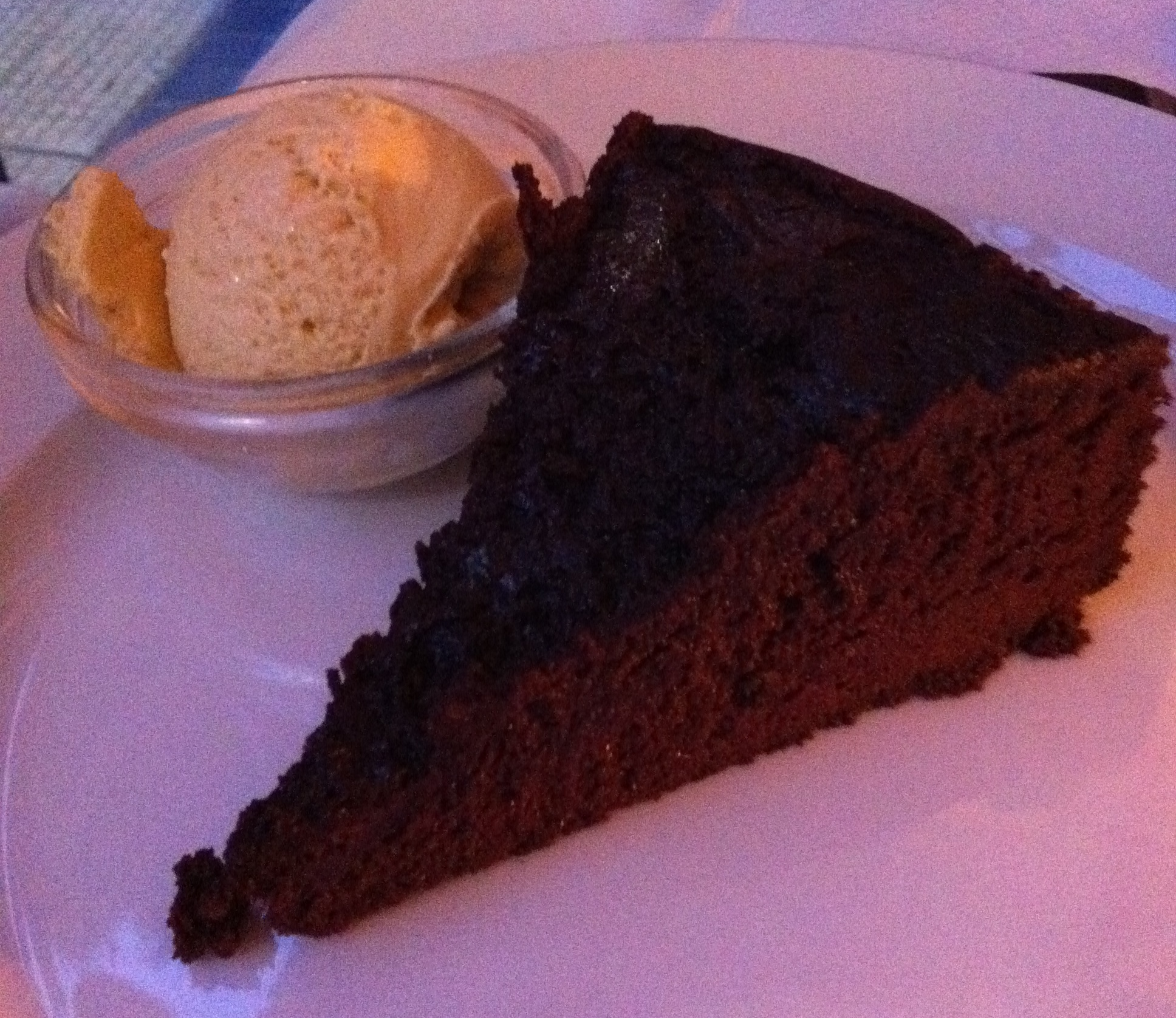 chocolate_cake_ice_cream