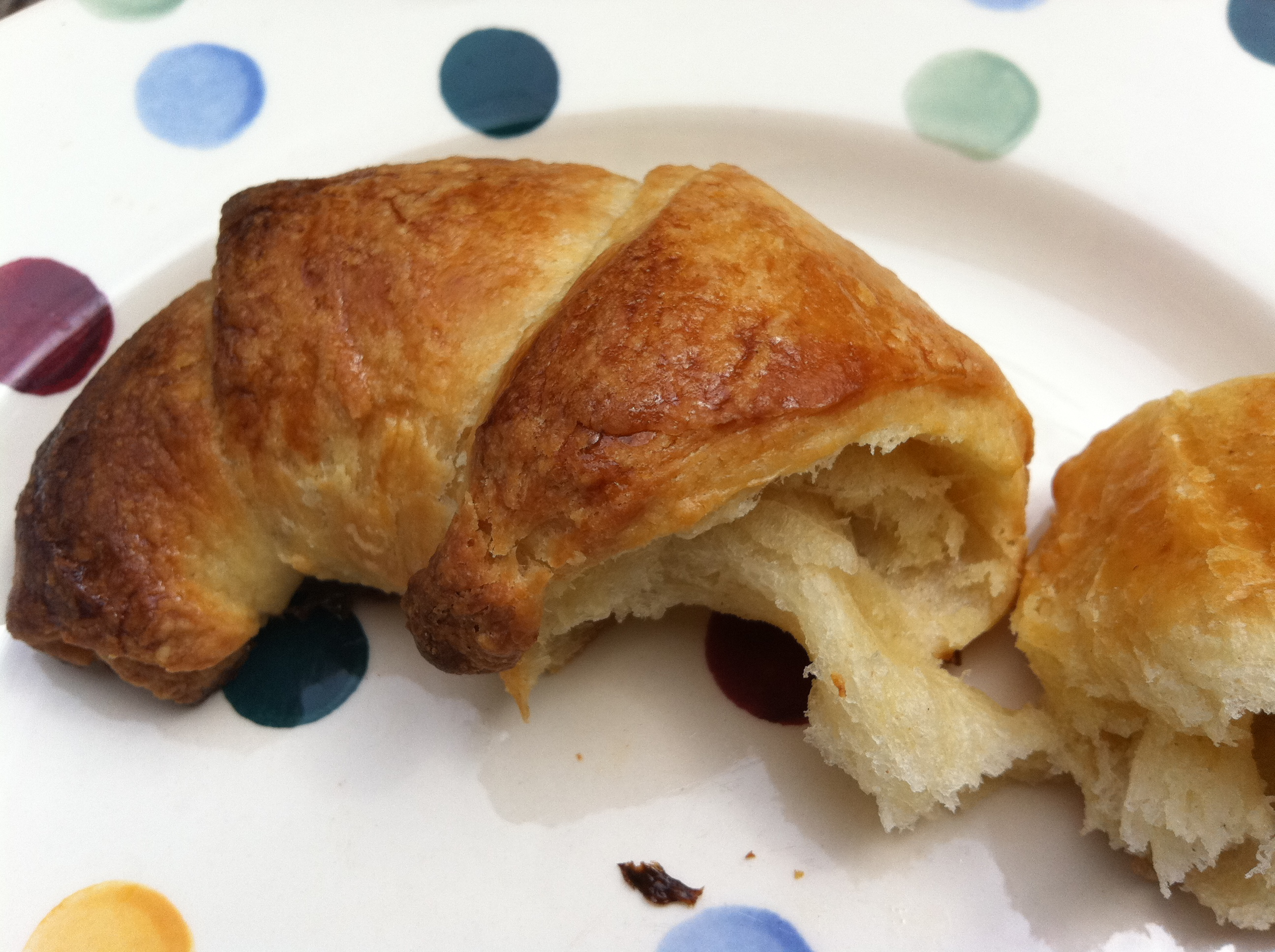 inside_croissant_flaky