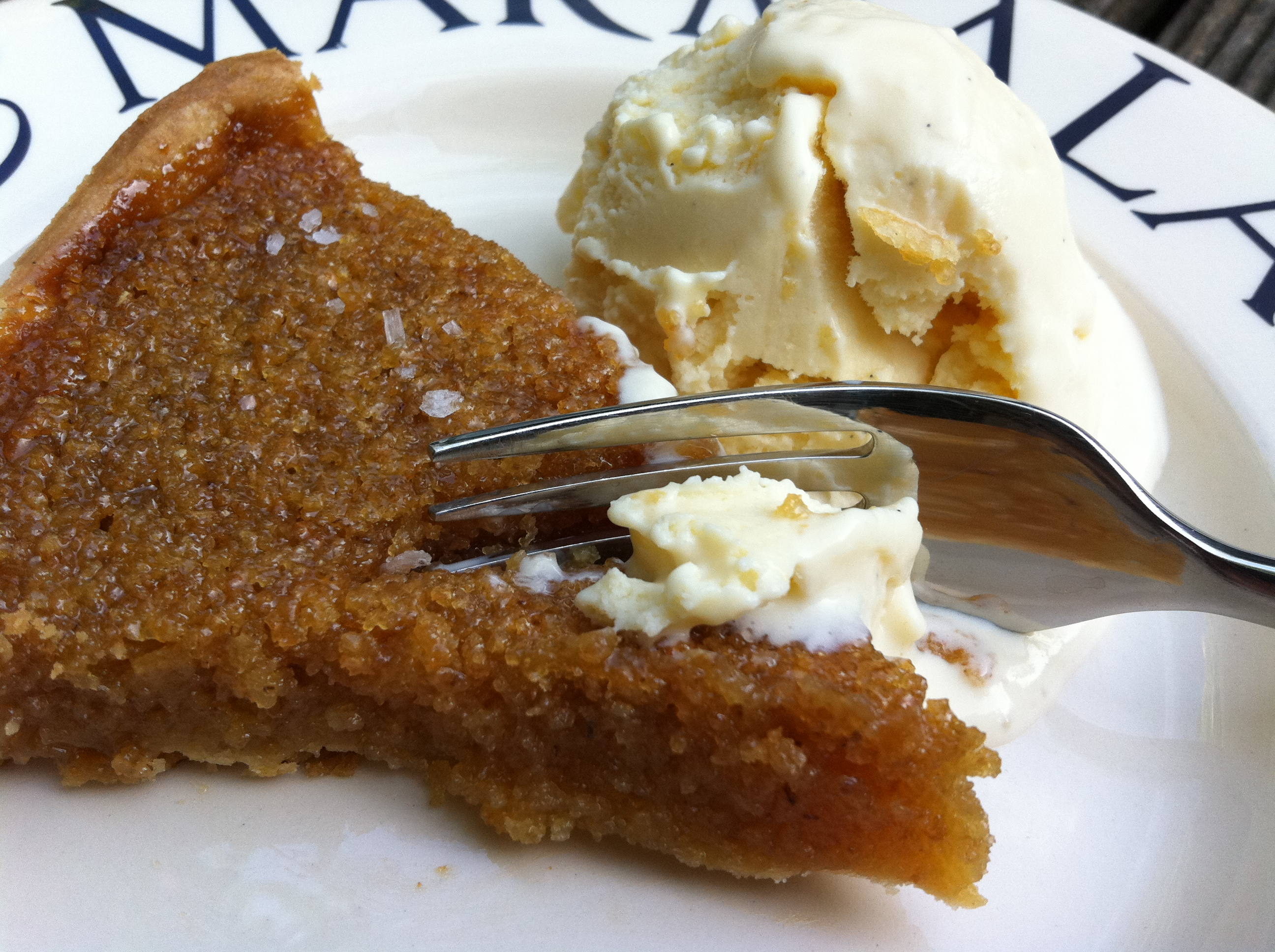 homemade_treacle_tart_ice_cream