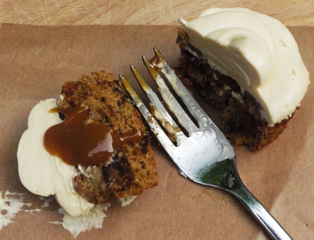 the little loaf: Sticky toffee pudding cupcakes