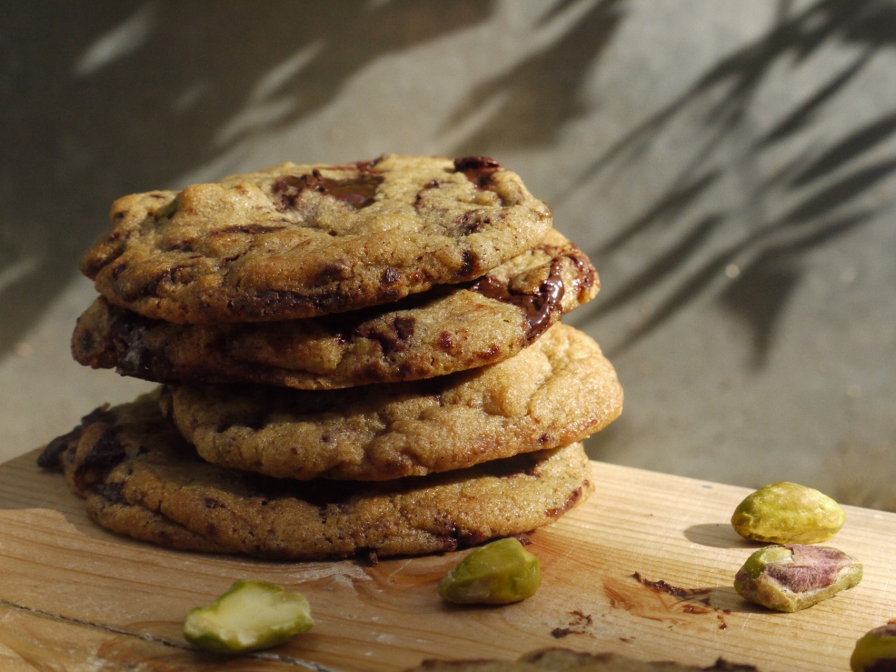 Chewy Chocolate & Pistachio Cookies - thelittleloaf