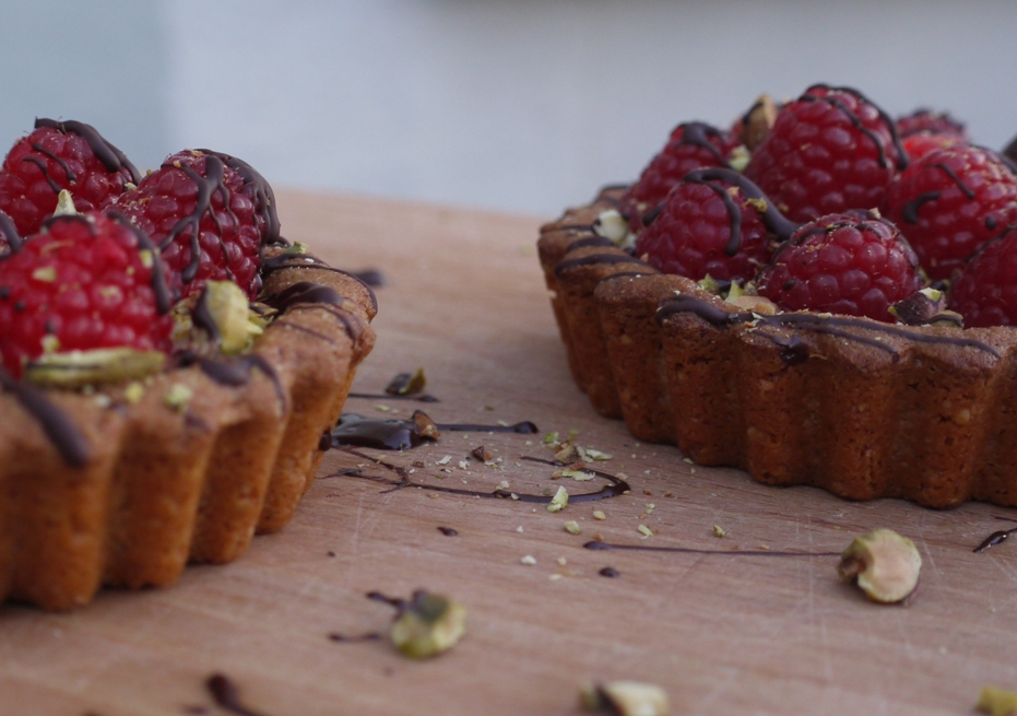Brown Butter, Pistachio & Raspberry Tartlets (inspired by Yummy Supper ...