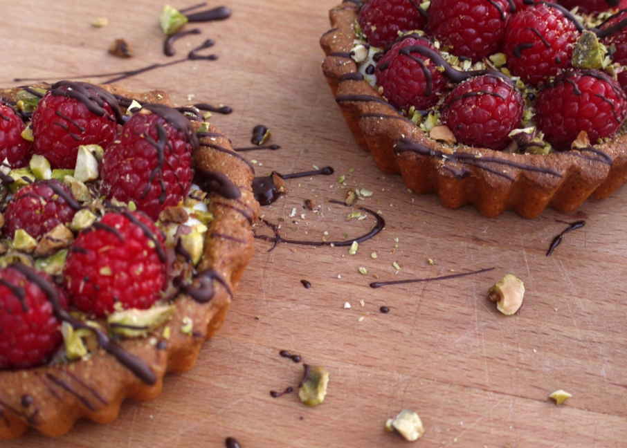 tart brown butter raspberry tart recipe gourmetsleuth brown butter ...