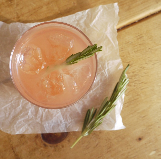 Grapefruit rosemary fizz