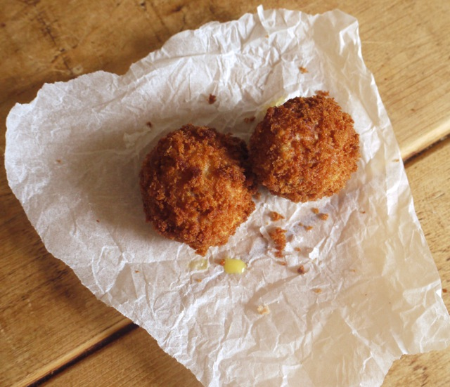 Scotch quail's eggs deep fried