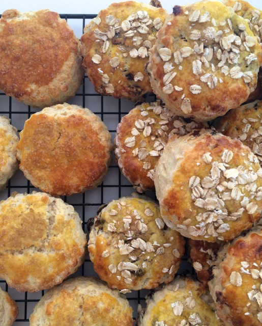 Oat & raisin scones