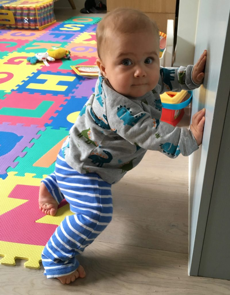 day-in-the-life-of-a-seven-month-old-11