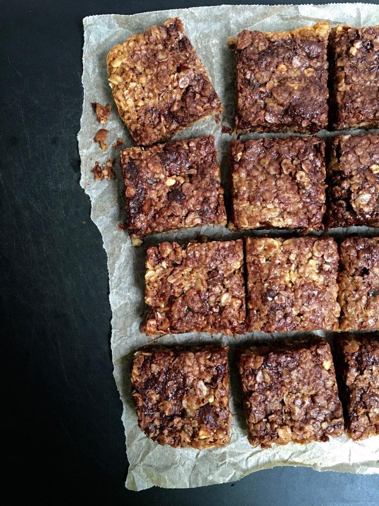 fig-dark-chocolate-almond-flapjacks-1