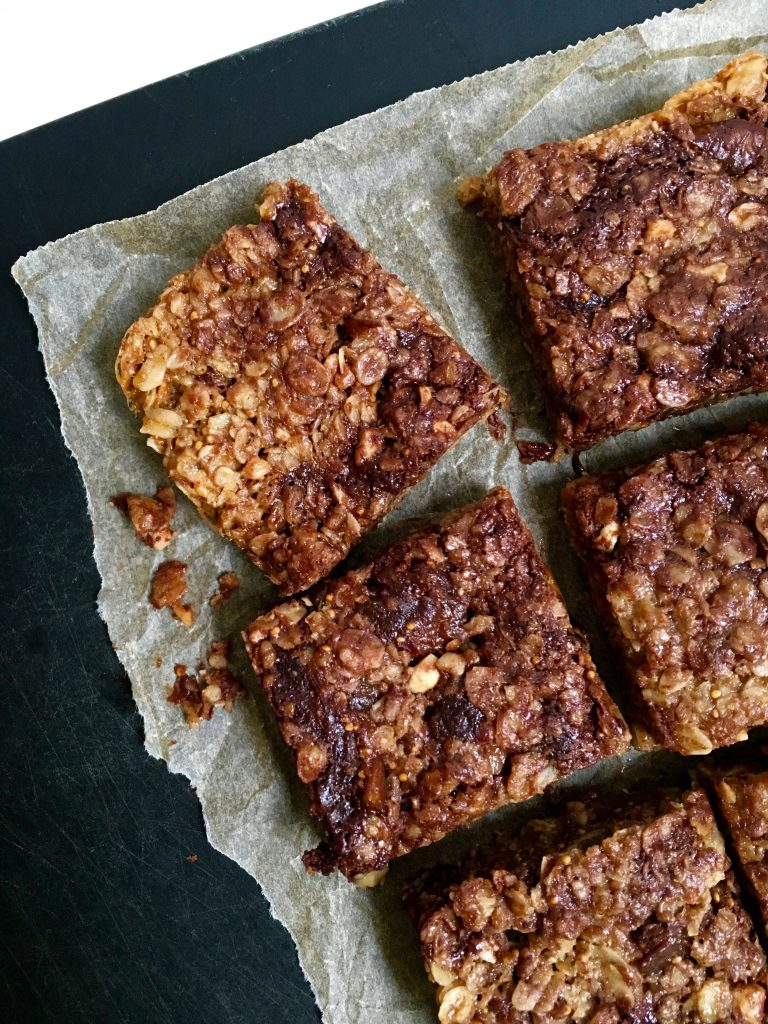 fig-dark-chocolate-almond-flapjacks-2