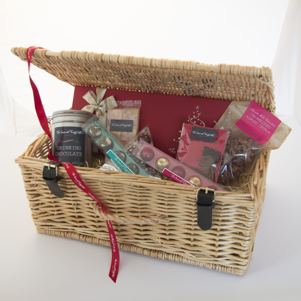 large-hamper-inside